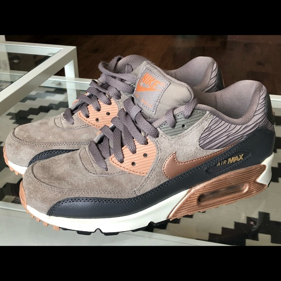 new concept d5879 33c3a Nike Air Max 90 Bronze Rose Gold Women size 8. M 5b326677aa8770b6a9e8821a